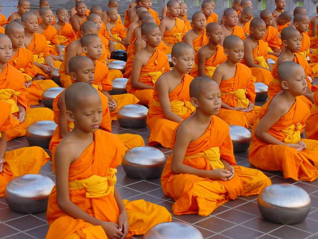 Pourquoi les moines bouddhistes se rasent les cheveux (et la barbe) ? 1