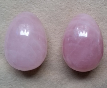 LIQUIDATION : Oeufs de yoni en quartz rose pour femmes 3